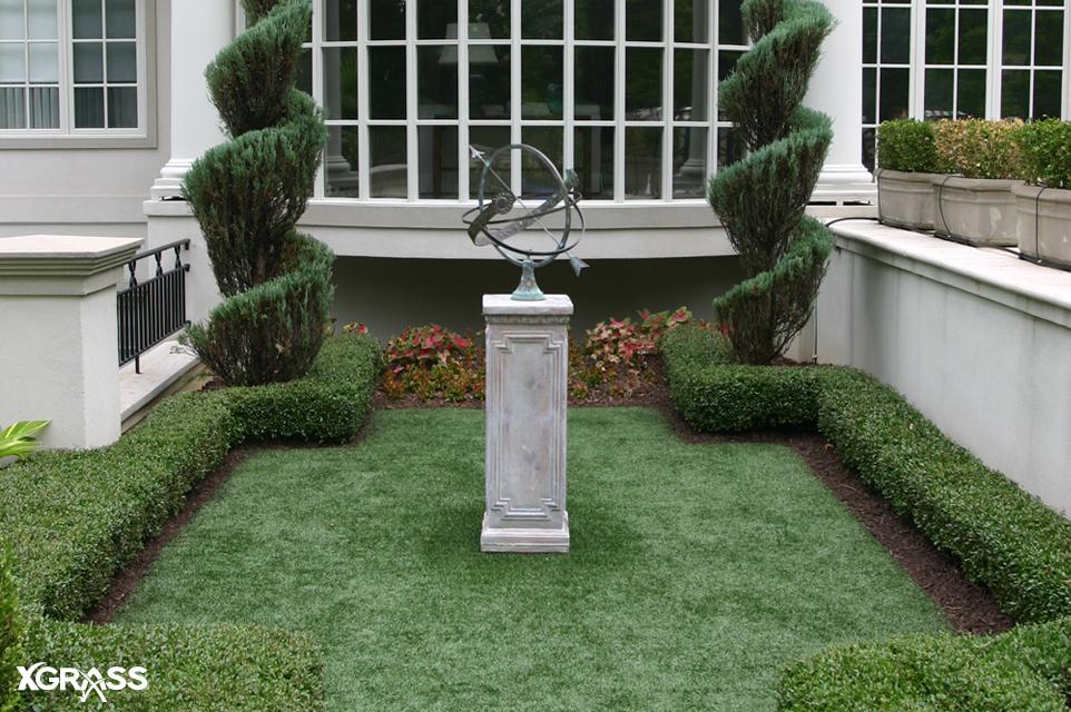Artificial turf lawn installed the backyard garden