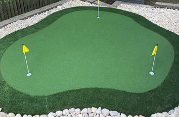 The Kiawah Backyard Putting Green Kit from XGrass