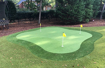 The Montauk DIY Backyard Putting Green from XGrass